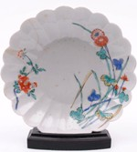 a (japanese) kakiemon porcelain saucer dish early 18th century