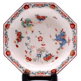 a bow porcelain dish decorated in the kakiemon manner circa 1755 (fs17/33)