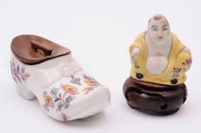 saint cloud porcelain snuff boxes, both devoid mounts and covers circa 1730-40