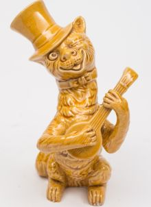 a watcombe pottery winking cat circa 1900-20 (fs24/505).