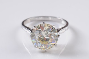 a diamond single stone ring (fs18/293)