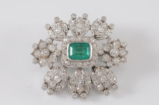 emerald and diamond mounted brooch (fs19/155)