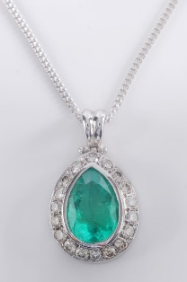 an emerald and diamond pendant (fs19/151)