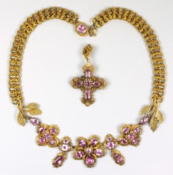 a mid 19th century gold and foiled pink topaz necklace (fs18/238)