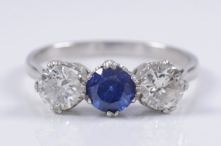 sapphire and diamond ring (fs18/243)